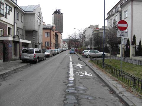 ontrapas rowerowy od ul. Chłopickiego do ul. Brodowicza. Tylko po co?