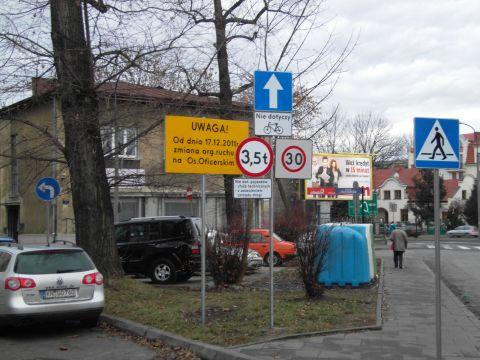 Nowe znaki na początku ul. Zaleskiego.